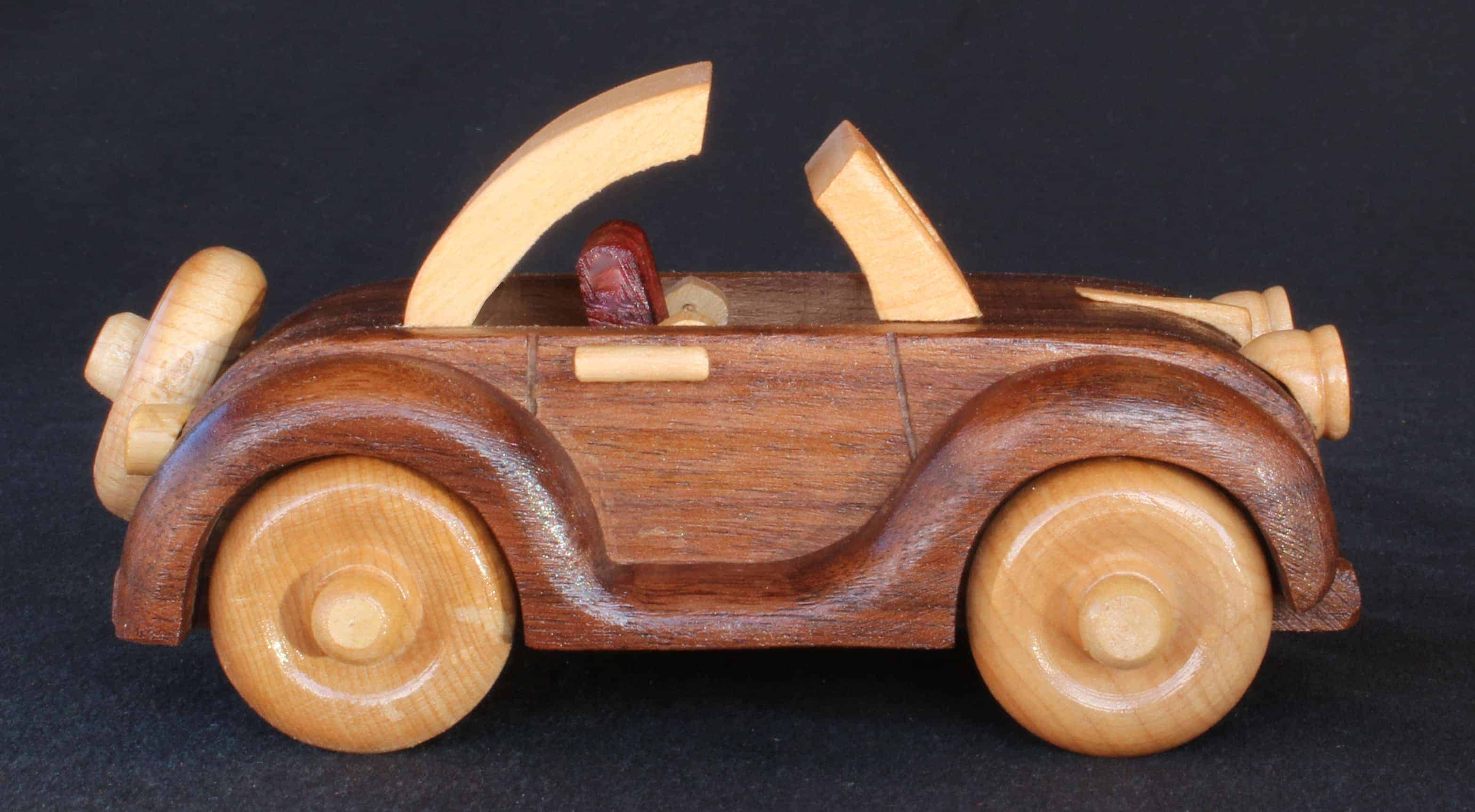 Woodworking plan to build a working wood convertible