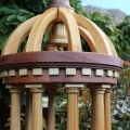 A woodworking plan to build an outdoor feeder from fence or patio woods