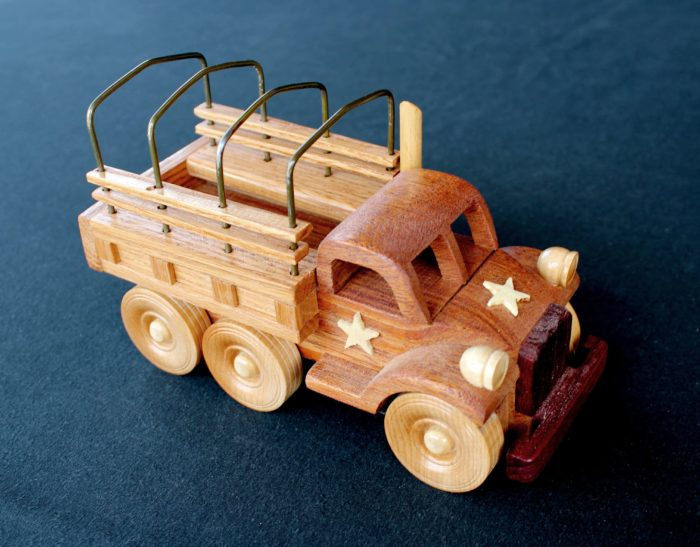 Army vehicle from the Plump'N'Tuff woodworking plan package