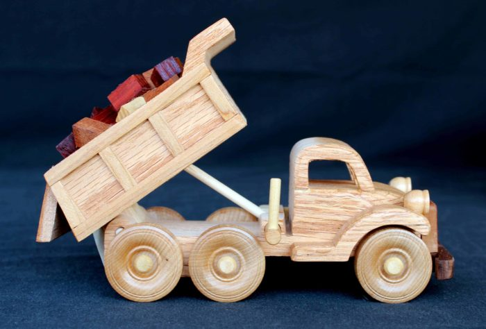 Working dump truck from the Plump'N'Tuff woodworking plan set