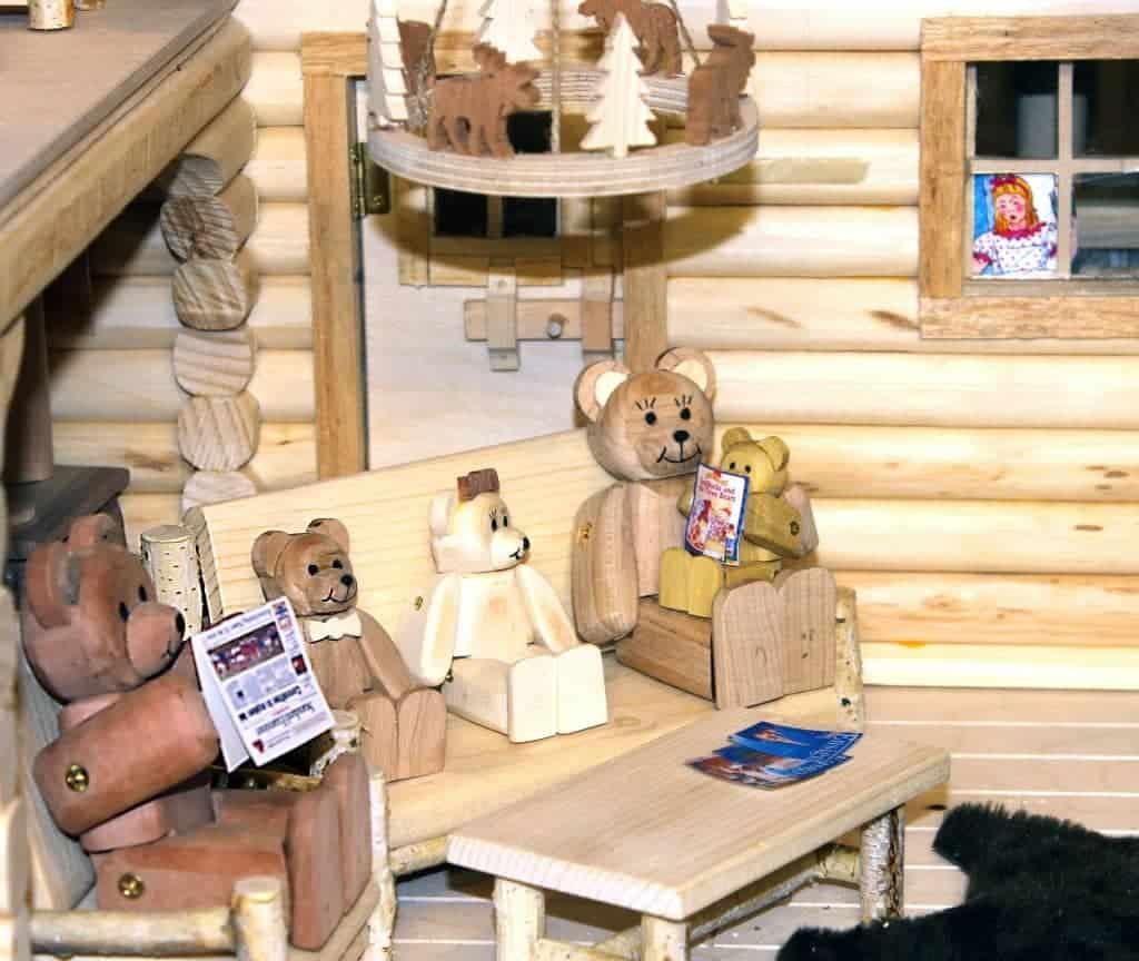Bear Family Lodge Woodworking Plan