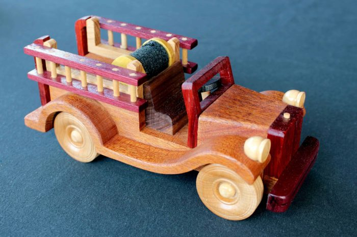 Fire Engine hook and ladder truck woodworking plan