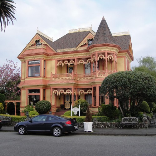100 plus year old Victorian House used as a model for the woodworking plan