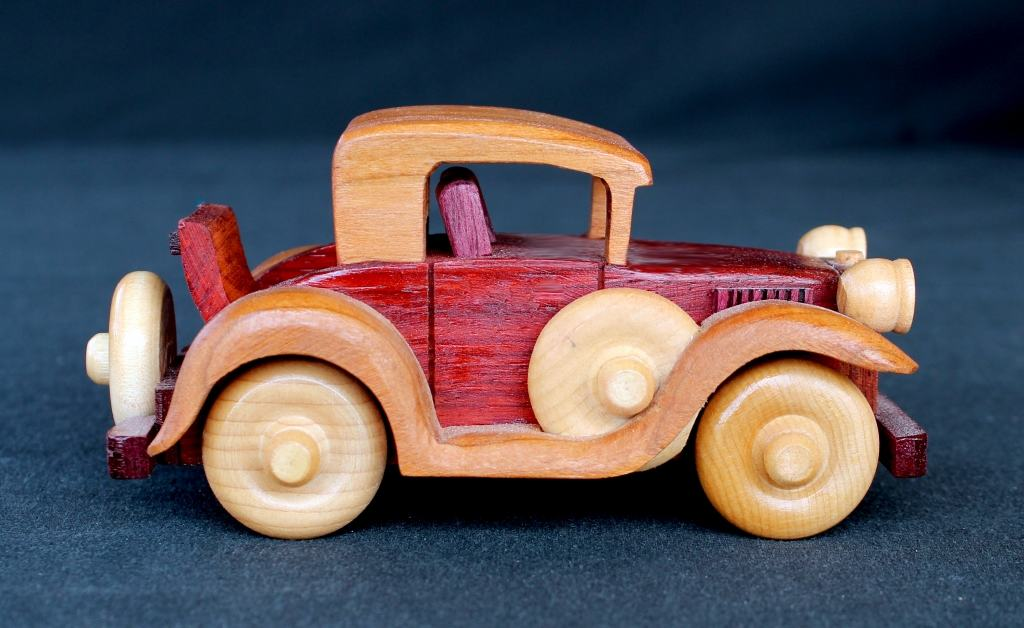Car with a working rumble seat from the Plump'N'Tuff wood plan set