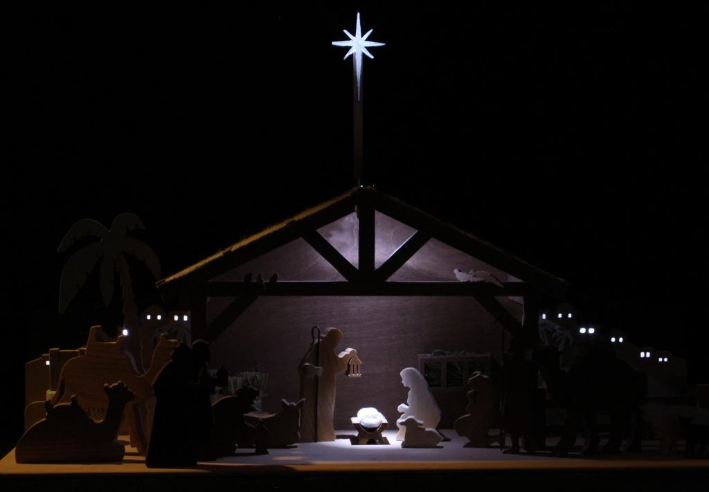 Four LED's light the whole Bethlehem scene