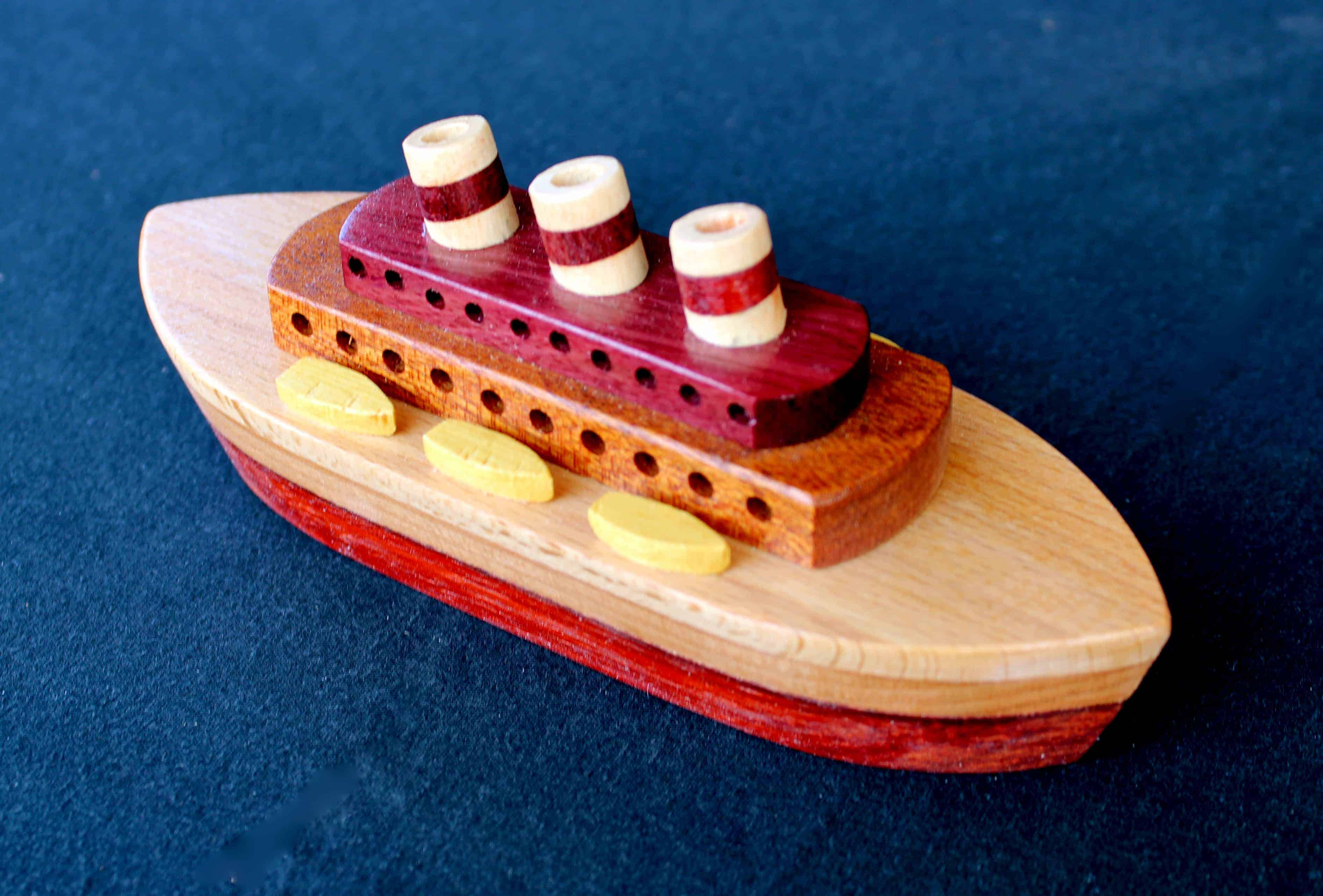 Woodworking plan for a ship from the Plump'N'Tuff group