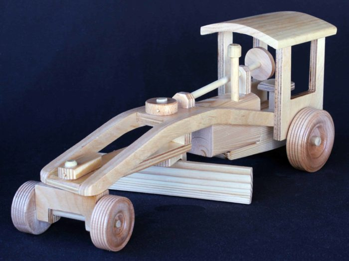 One of five wood machines in one woodworking plan package. Steers and blade turns