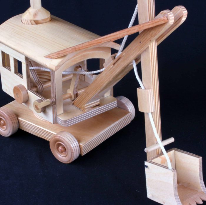 Make a working steam shovel in Baltic Birch plywood
