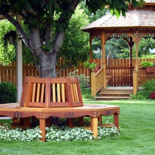 Eight sections make up the bench. Adjust for larger trees