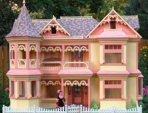 Woodworking plan with patterns for building the Victorian Barbie House