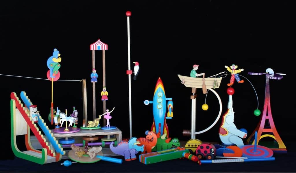 Over a dozen fun action toys inspired by vintage products from Europe