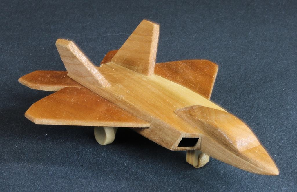 "F-22 woodworking plan war plane from the Plump""N"" Tuff package"