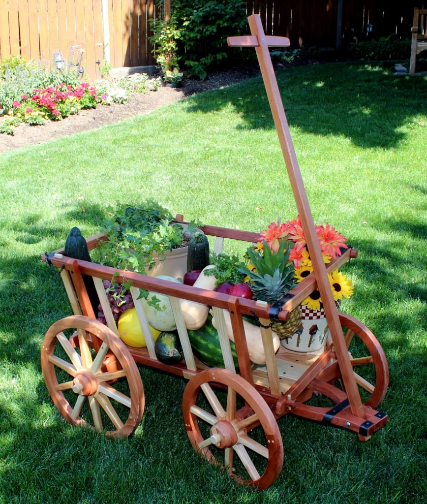 Garden Cart woodworking plan with fruit