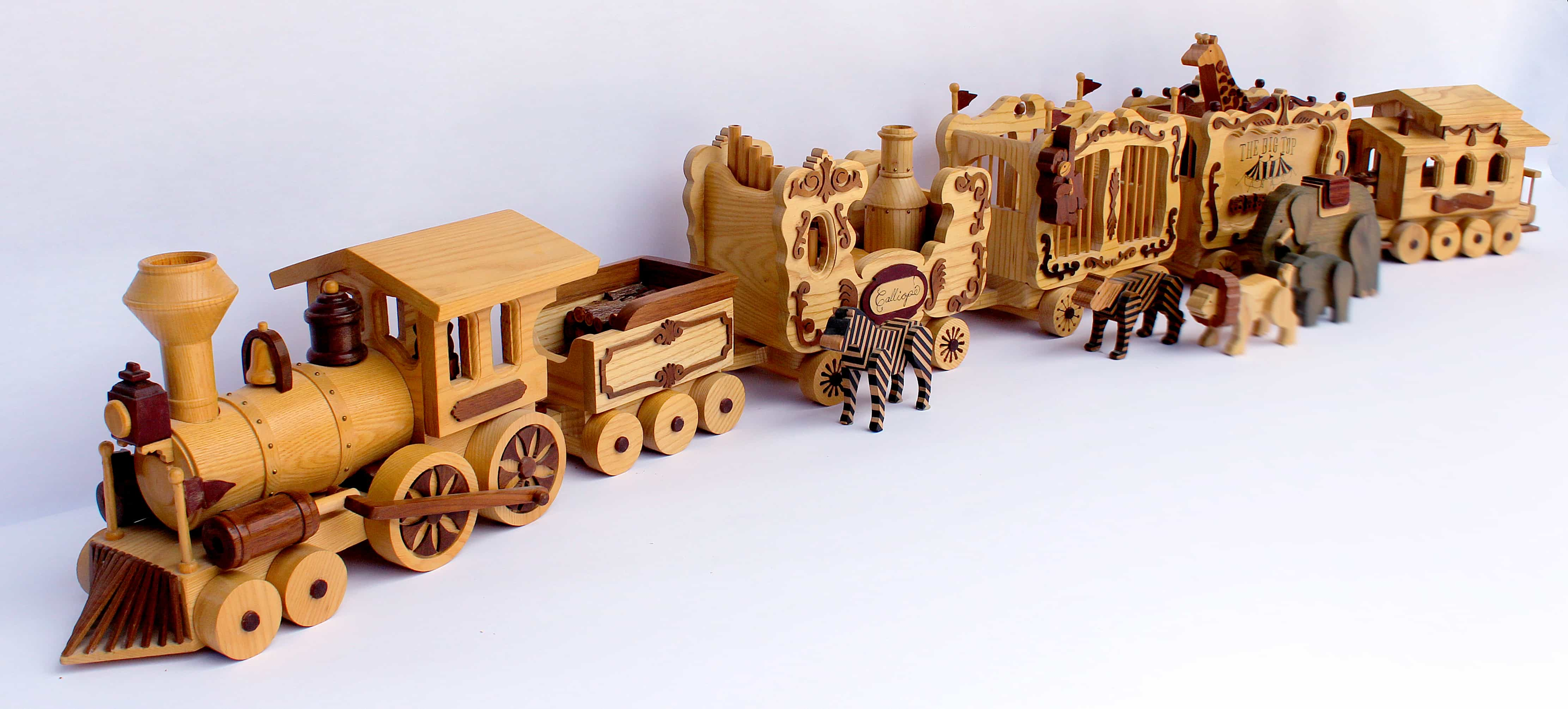 Circus Train woodworking plan. Fun, whymsical project for ...