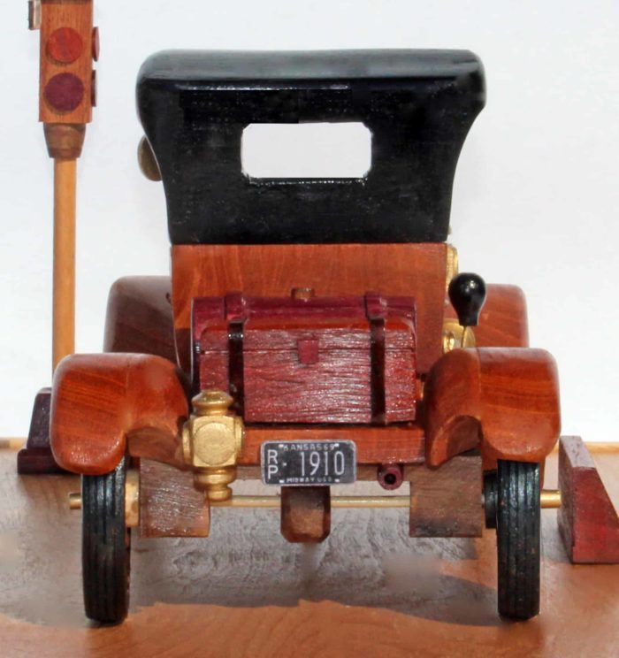 Woodworking plan to build a wood model of a Model T Ford