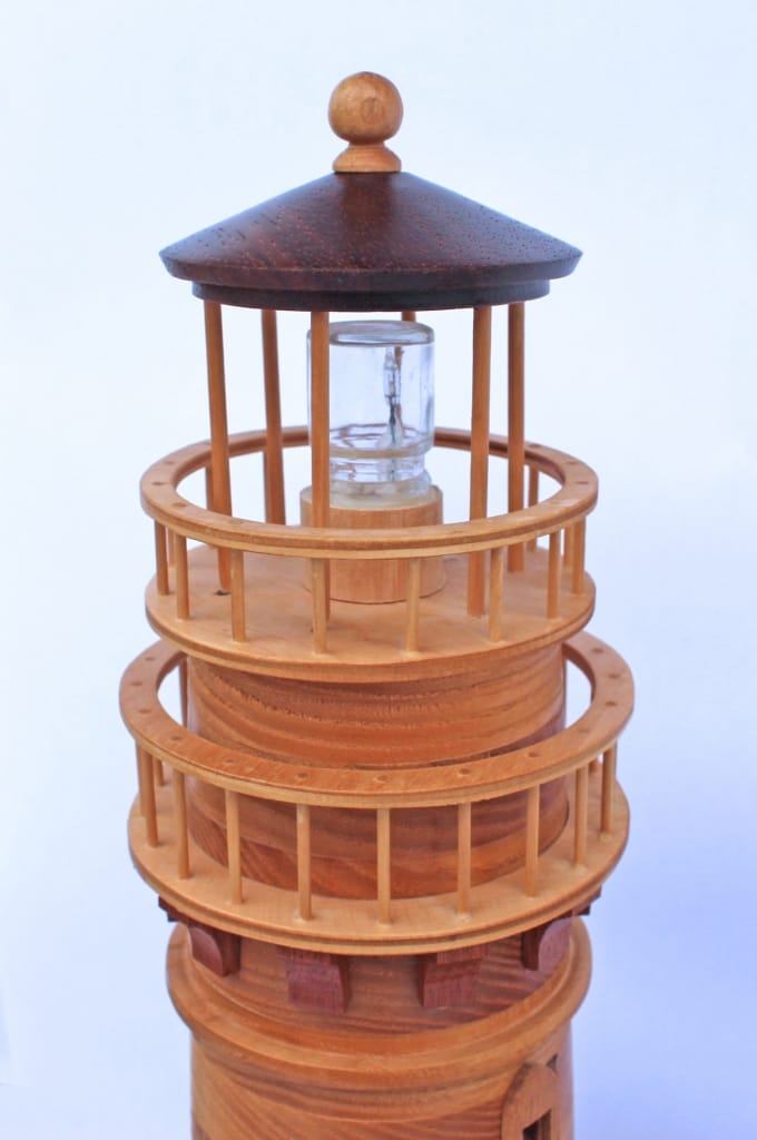 Lighthouse woodworkilng plan with working light